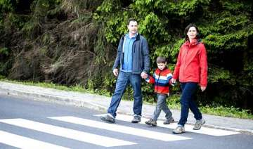 parents disregard child road safety guidelines -...