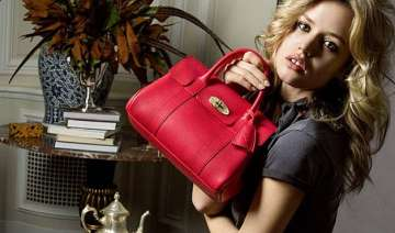 mick jagger s daughter makes mulberry debut -...