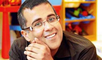 chetan bhagat turns fitness motivator - India TV