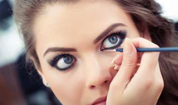 know your eye colour kohl type well - India TV