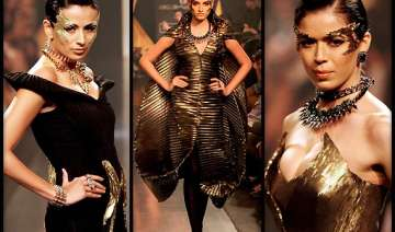 lakme fashion week 2014 gaurav gupta makes mystic...