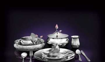 let your dinner set bloom - India TV