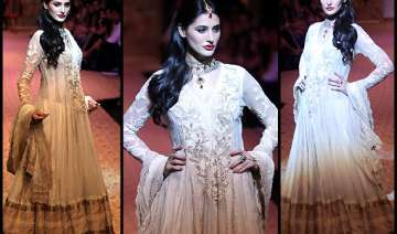 nargis fakhri goes desi for ritu kumar at lfw...