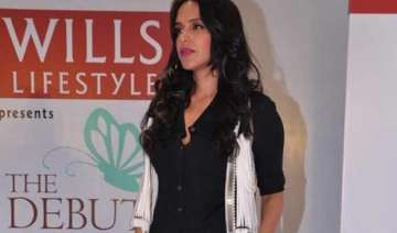 neha dhupia to tweet live from wifw aw 2014 -...