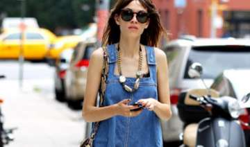 alexa chung to launch denim collection - India TV