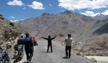 100 bikers take on the mighty himalayas - India TV