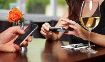 do s and don t s while texting your date see pics...