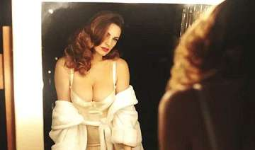 hot kelly brook goes topless for an ad see pics -...