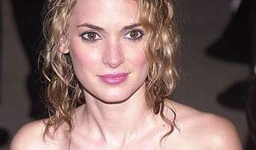 winona ryder finds cosmetic surgery weird - India...