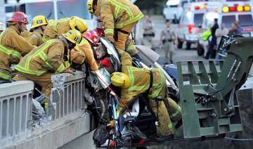 dramatic rescue of mother daughters after bmw...