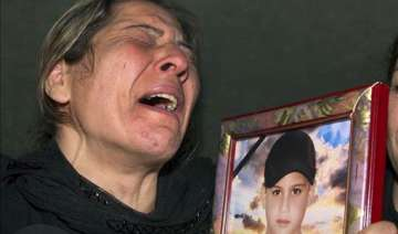 eu us impose new syria sanctions as death toll...