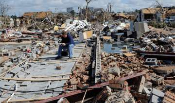 eastern us storms kill five lakhs without power -...