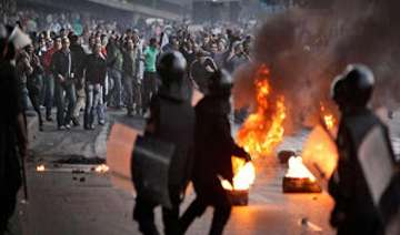 egypt unrest interim president meets army chief...