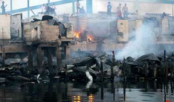 fire in philippine capital leaves 8 000 homeless...