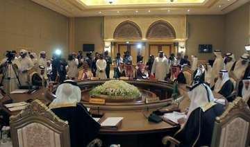 gcc to pull out syria observers urge world...