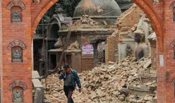 nepaldevastated live death toll could reach 10000...