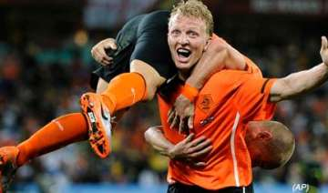 netherlands beats slovakia 2 1 at world cup -...