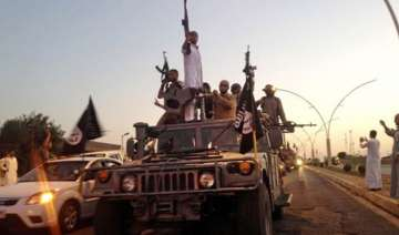 thousands hostages flee islamic state s hold in...