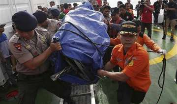 divers find both black boxes in airasia crash -...