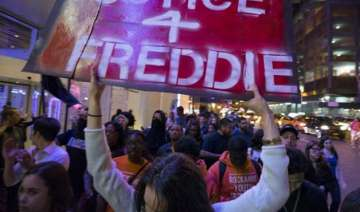 baltimore police submit report on black man s...