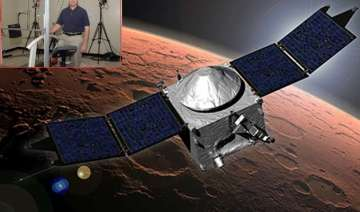 nasa prepares real martians to land and stand on...