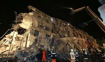 7 dead hundreds rescued and injured as quake...