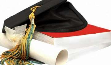 first ever mphil degree in hindi awarded in...