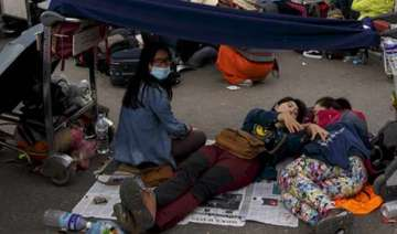 after quake epidemic fears surround nepal - India...
