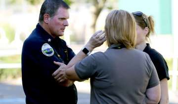 us gunman opens fire at oregon college at least 9...