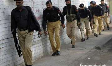 pakistan police fear red mosque militants trying...
