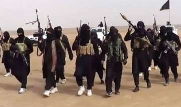 isis executes 15 iraqi police officers 4...