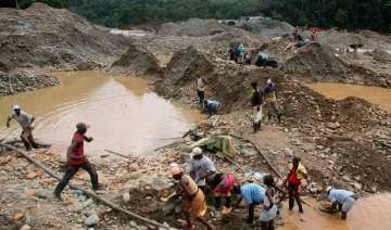 15 trapped in colombian gold mine - India TV