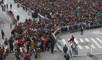 heavy snow strands over 50 000 people at china...