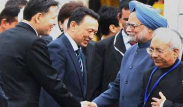 india kazakhstan sign nuclear oil pacts - India TV
