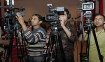 iraq backs off on forcing 44 media outlets closed...