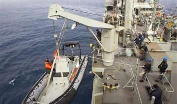 mh370 search for plane suspended due to bad...