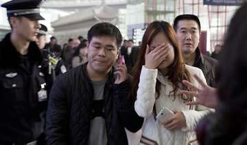 malaysia airlines plane crashes in south china...