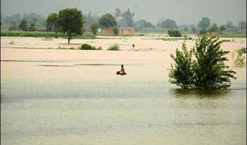over 3 lakhs affected in pak floods death toll...