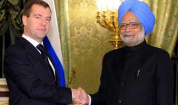 pm meets russian president medvedev - India TV
