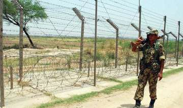 pak troops put on high alert along loc - India TV