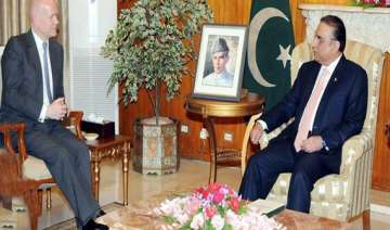 pakistan britain discuss security economic ties -...