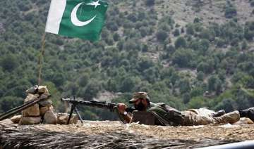 pakistani major falls into ravine dies - India TV