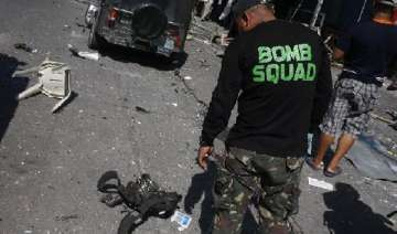 philippines bomb expert killed in explosion -...
