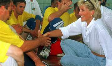 police check new info on deaths of princess diana...