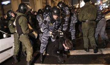 protests arrests in moscow as putin loses sheen -...