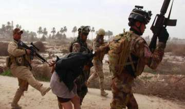 soldiers reportedly executing sunni detainees in...