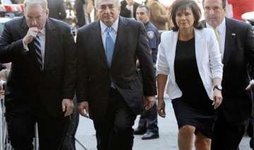 strauss kahn free from house arrest charges stand...