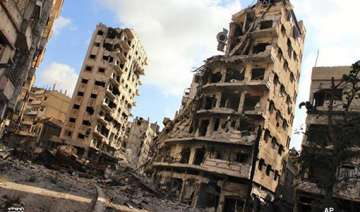 syrian troops advance in rebel held parts of homs...