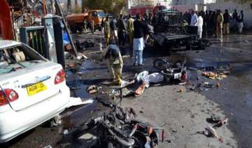 three soldiers killed in pakistan bombing - India...