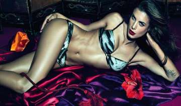 world s top 10 countries having the sexiest women...